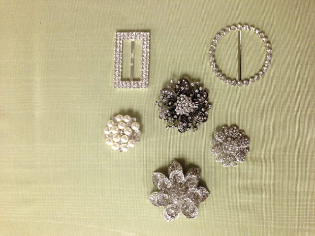 Where to find BROOCHES - BUCKLES SIZES in Ft. Wayne