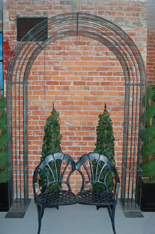 Where to find Arch Green Iron 6 x 9  Tall in Ft. Wayne