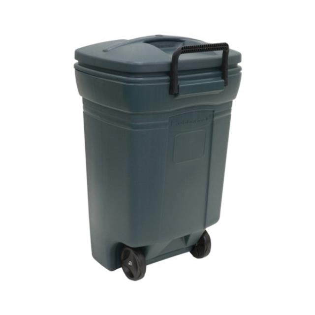 Where to find GARBAGE CANS 33 GAL w LID in Ft. Wayne